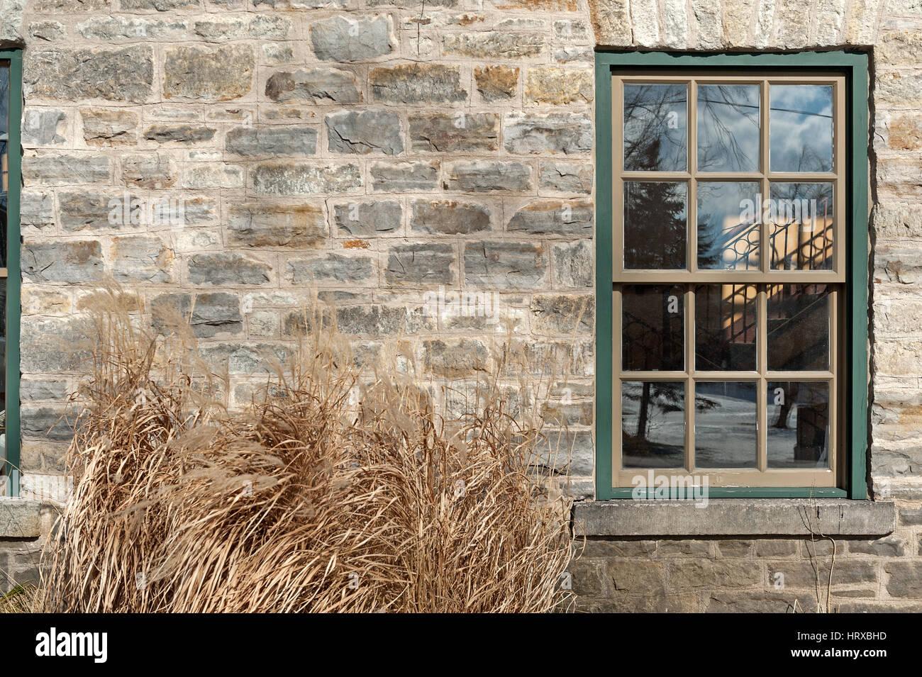 traditional sash window stockfotos traditional sash window bilder alamy. Black Bedroom Furniture Sets. Home Design Ideas