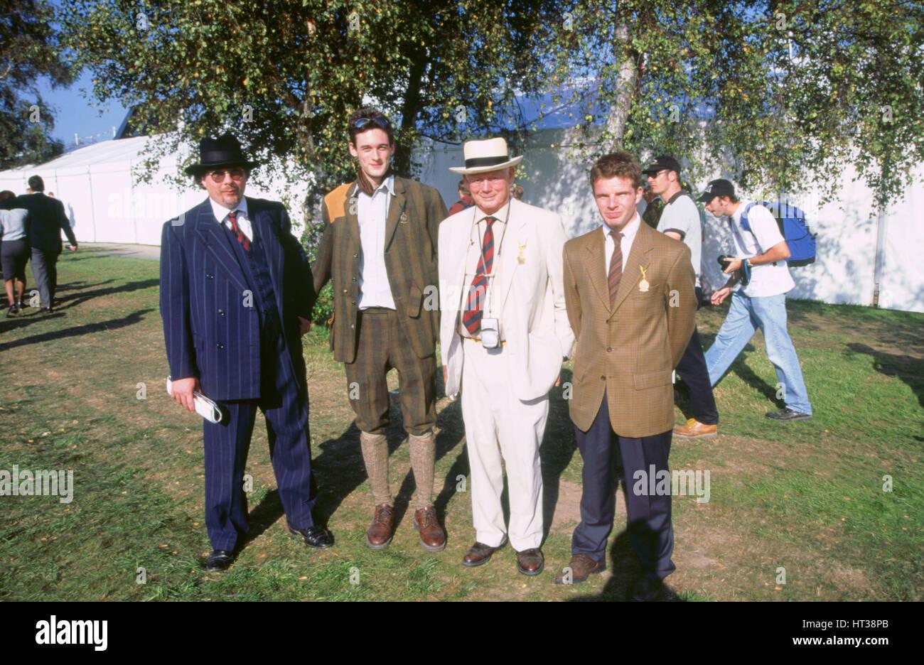 Lord Montagu, Jonathan Montagu und Justin Keen 1998 beim Goodwood Revival, Künstler: unbekannt. Stockbild