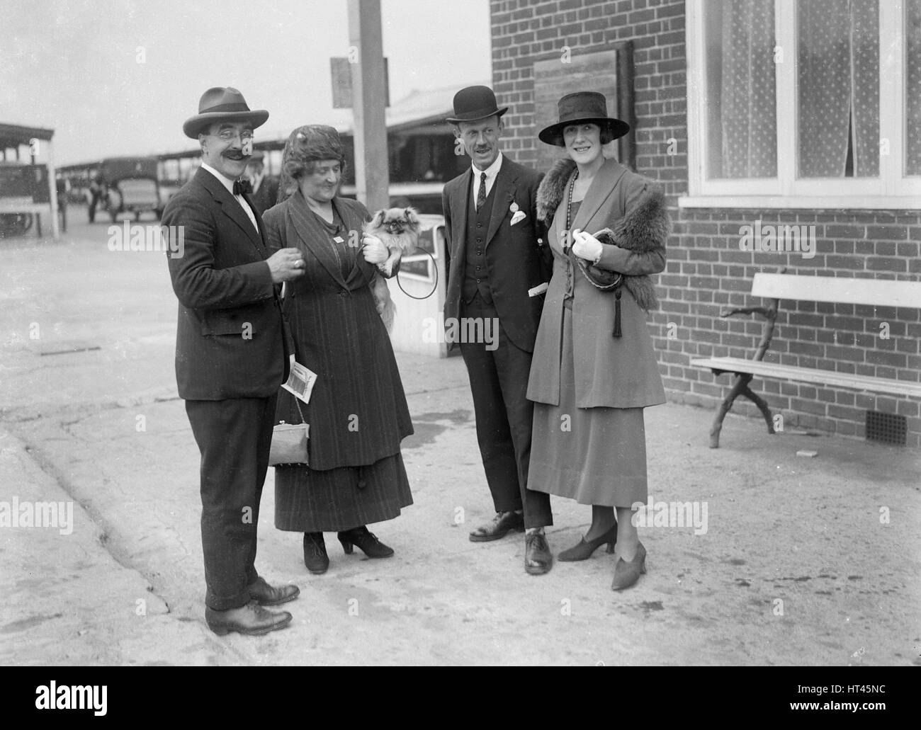Hugh McConnell, Chief Scrutineer Brooklands Motor racing Circuit, Surrey, c1930s. Künstler: Bill Brunell. Stockbild
