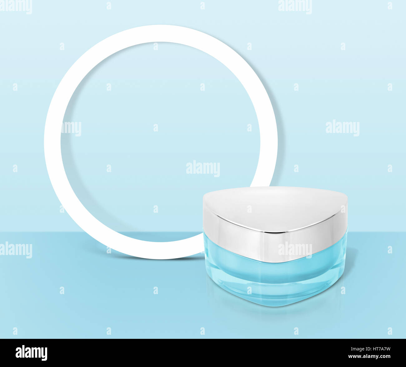 Cosmetics Promotion Stockfotos & Cosmetics Promotion Bilder - Alamy