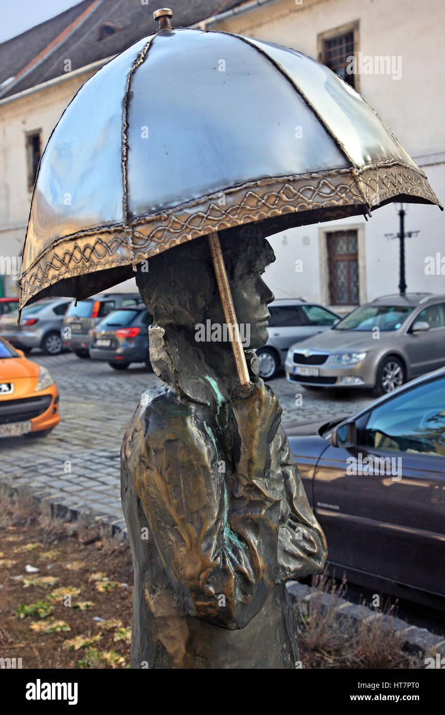 """""""Detail"""" aus einer Skulptur von Damen mit Sonnenschirmen von berühmten ungarischen Künstler Stockbild"""