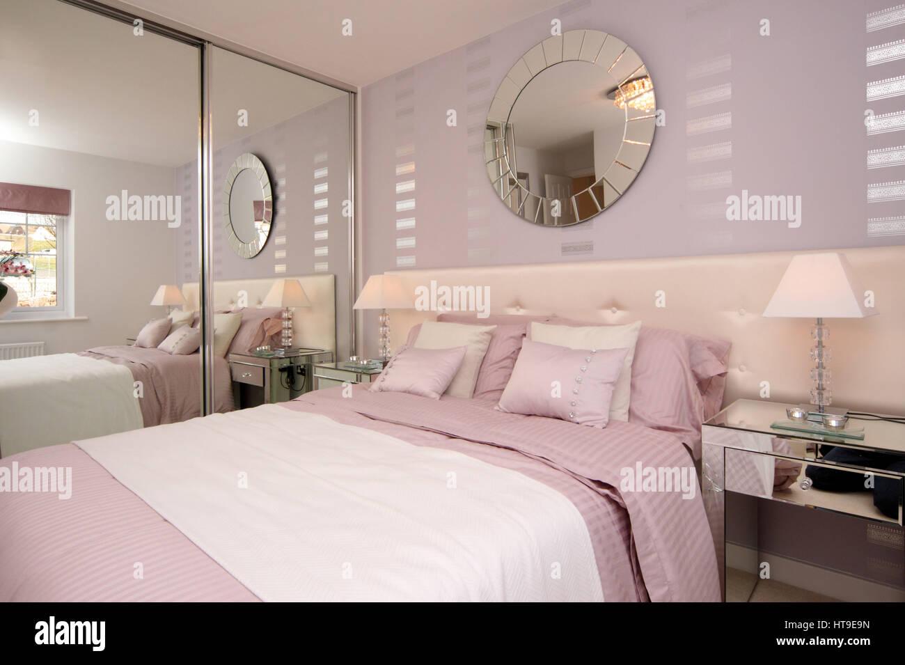 Wohngebäude, Schlafzimmer, rosa Farben weiß, Silber Funktionen ...