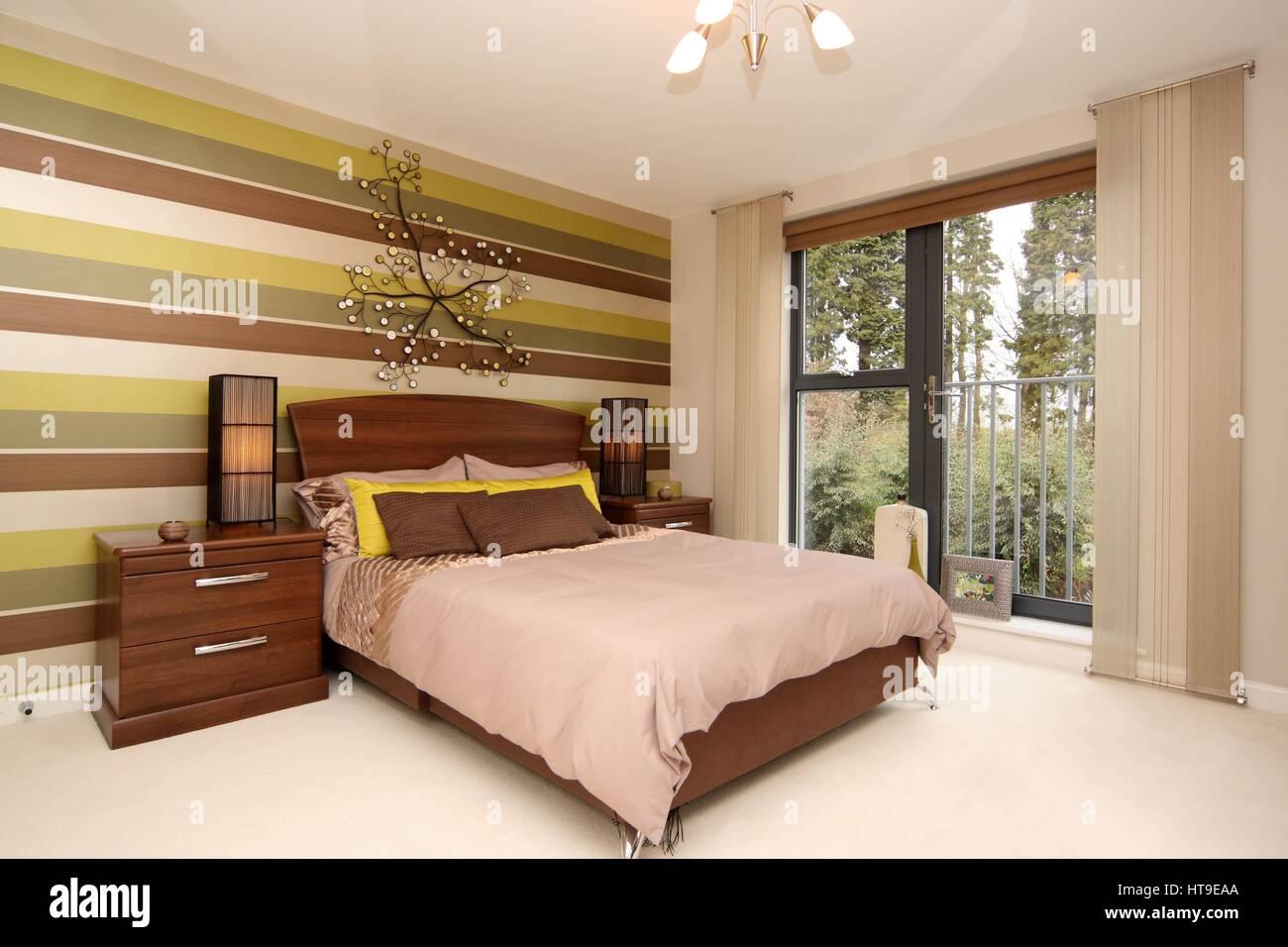 Eigenschaftswand, Wohngebäude, Schlafzimmer, Zimmer Mit Aussicht, Balkon  Der Julia, Dekor, Gelb Braun,