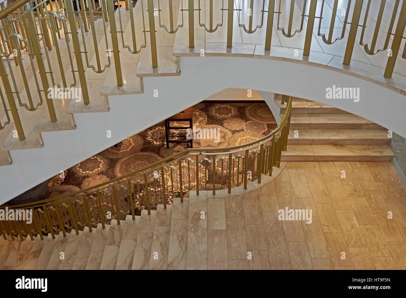 Drei Schone Marmortreppe Im Treppenhaus Des Hotels Stockfoto Bild