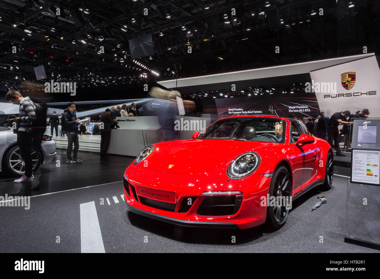 Der Porsche 911 Targa 4 Gts Auf Der 87 2017 Genf International
