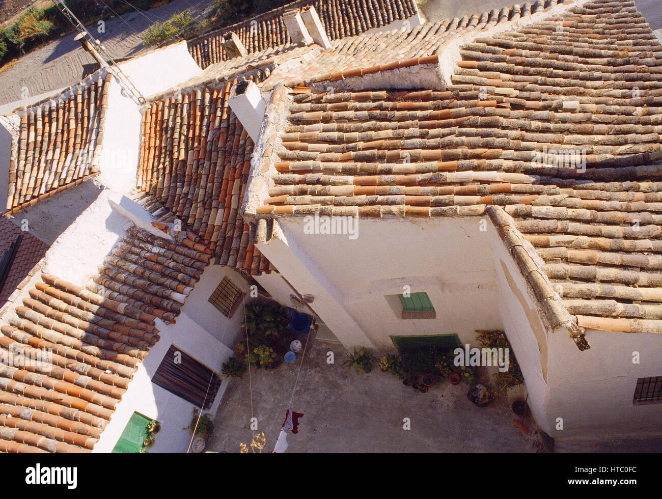 Häuser in der Altstadt, Ansicht von oben. Tarancon, Cuenca Provinz, Castilla La Mancha, Spanien. Stockbild