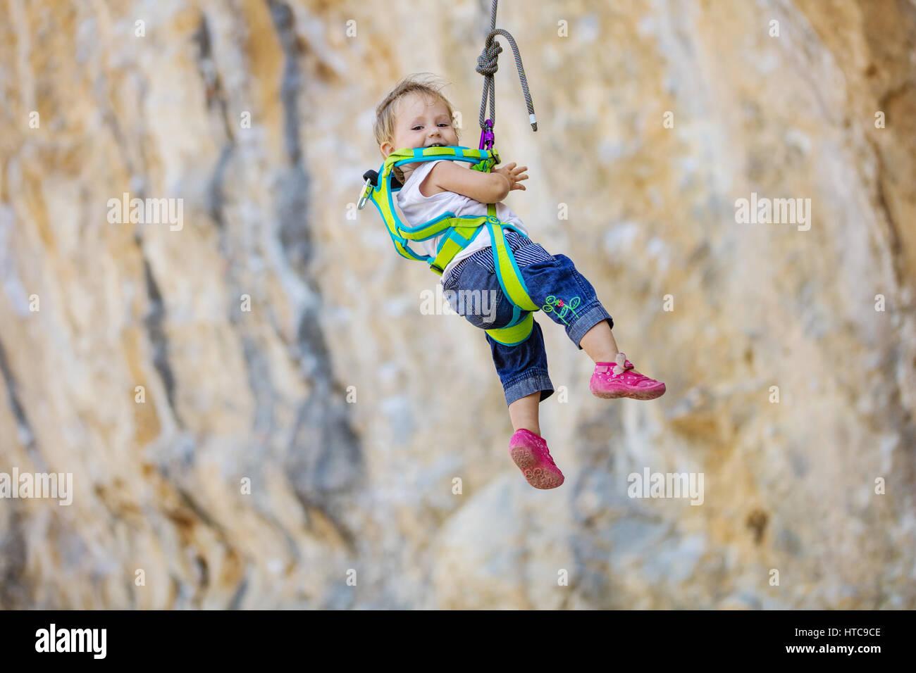 Kletterausrüstung Essen : Kletterausrüstung das braucht ihr zum klettern u a tirol