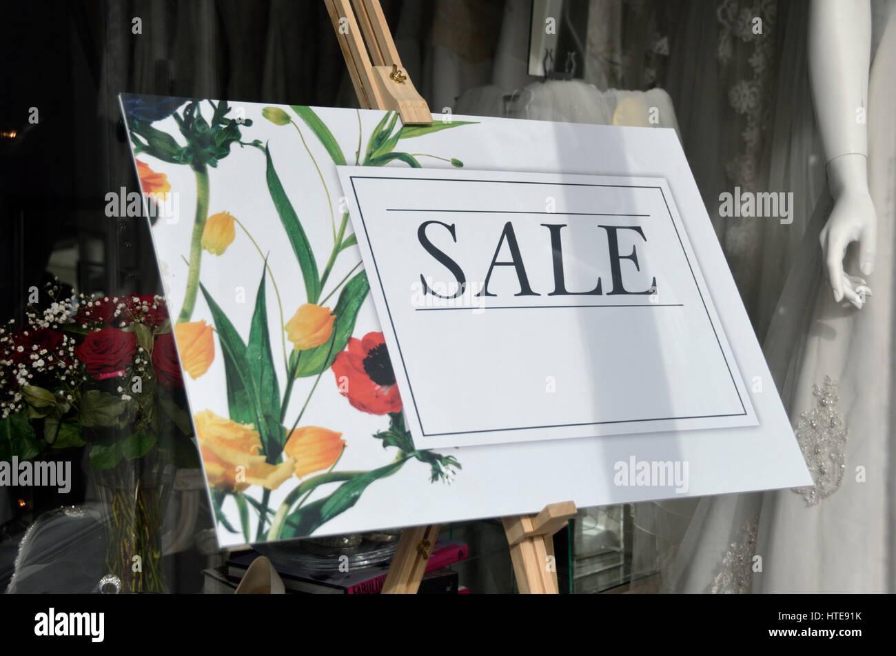 Verkauf anmelden, eine anspruchsvolle hochwertige UK Shop. Stockbild