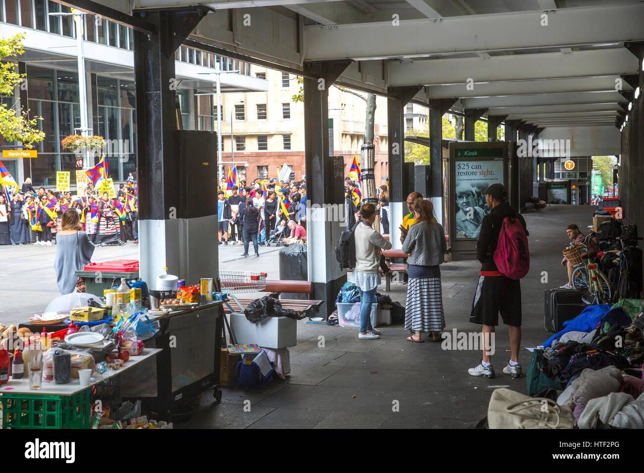 Suppenküche für Obdachlose, die grob in der Innenstadt, Australien ...