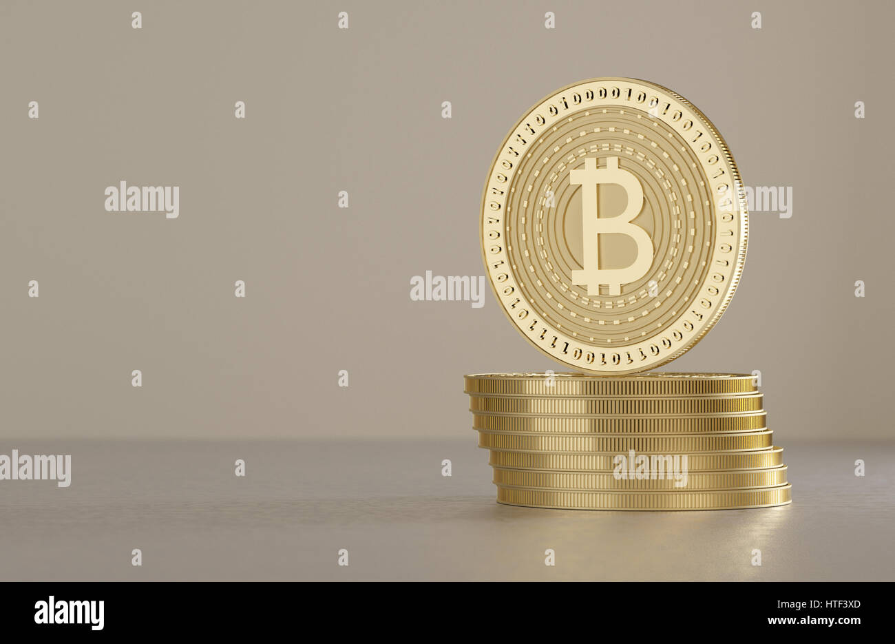 Zwei glänzende goldene Bitcoins als Konzept für Finanztechnologie und Krypto-Währung auf Metall-Boden Stockbild