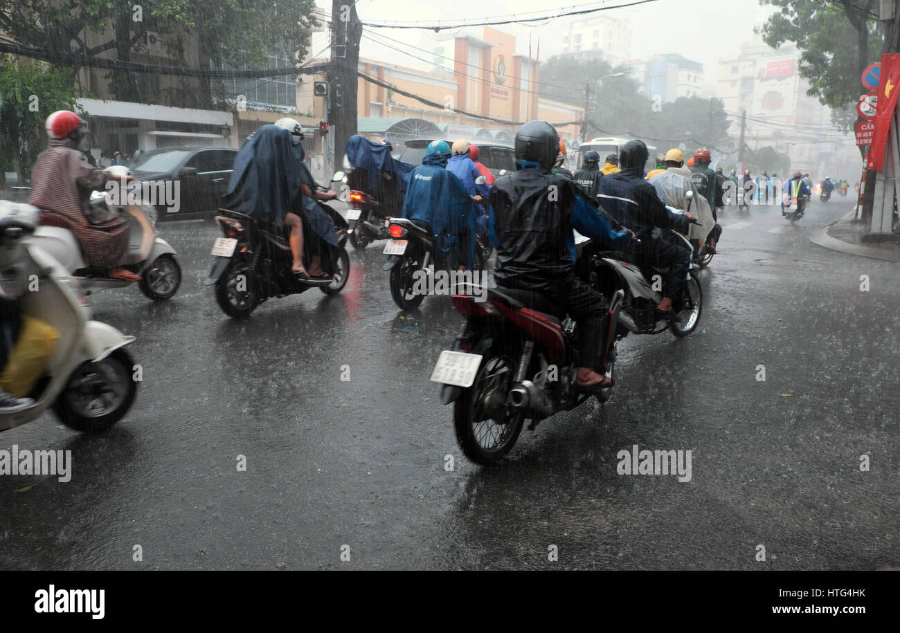 wet weather motorcycle ride stockfotos wet weather. Black Bedroom Furniture Sets. Home Design Ideas