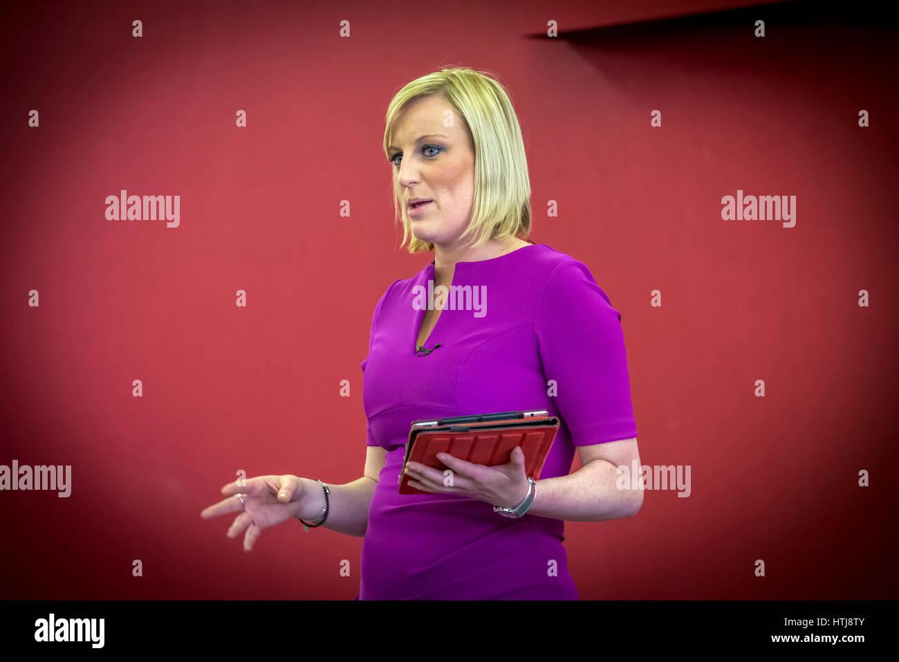 TV Persönlichkeit Steph McGovern derzeit mit Alex Jones auf BBC1 TV erscheinen. Stockbild
