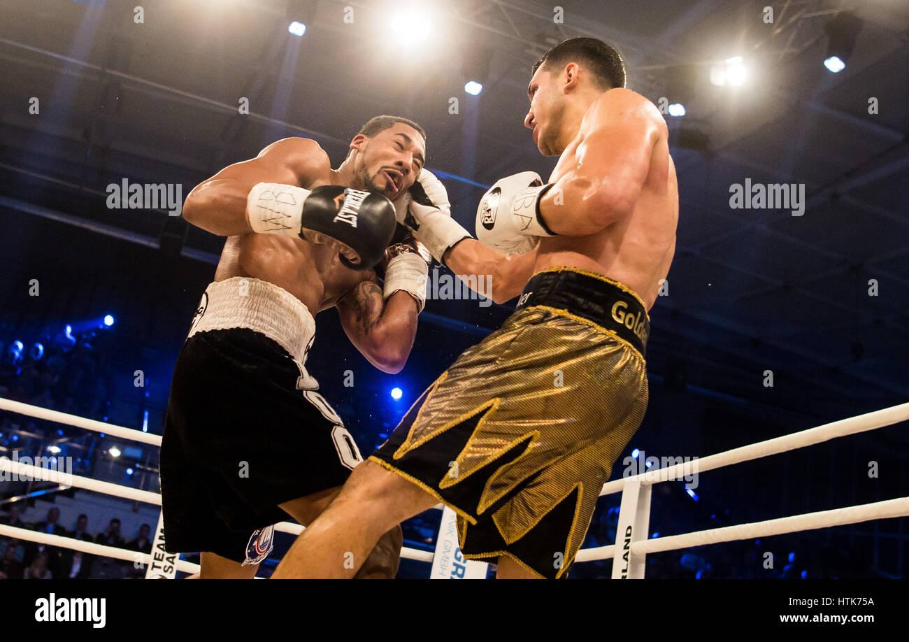 Ludwigshafen, Deutschland. 11. März 2017. Jack Culcay (Deutschland, R) und Demetrius Andrade (USA) die WBA halbe Stockfoto
