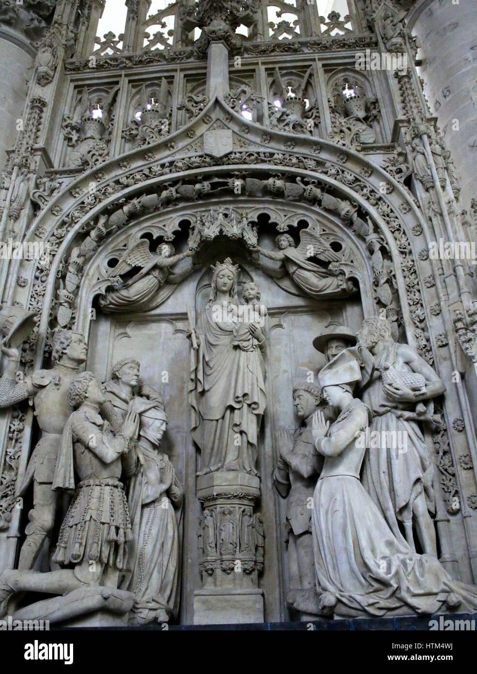 Interieur von der Liebfrauenkirche (Onze-Lieve-Vrouwekerk), eine ...
