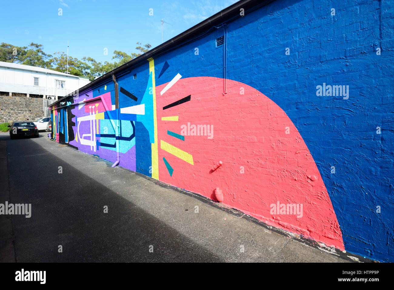 Wandbild auf einem Gebäude in einer Seitenstraße, Kiama, Illawarra Coast, New-South.Wales, NSW, Australien Stockbild