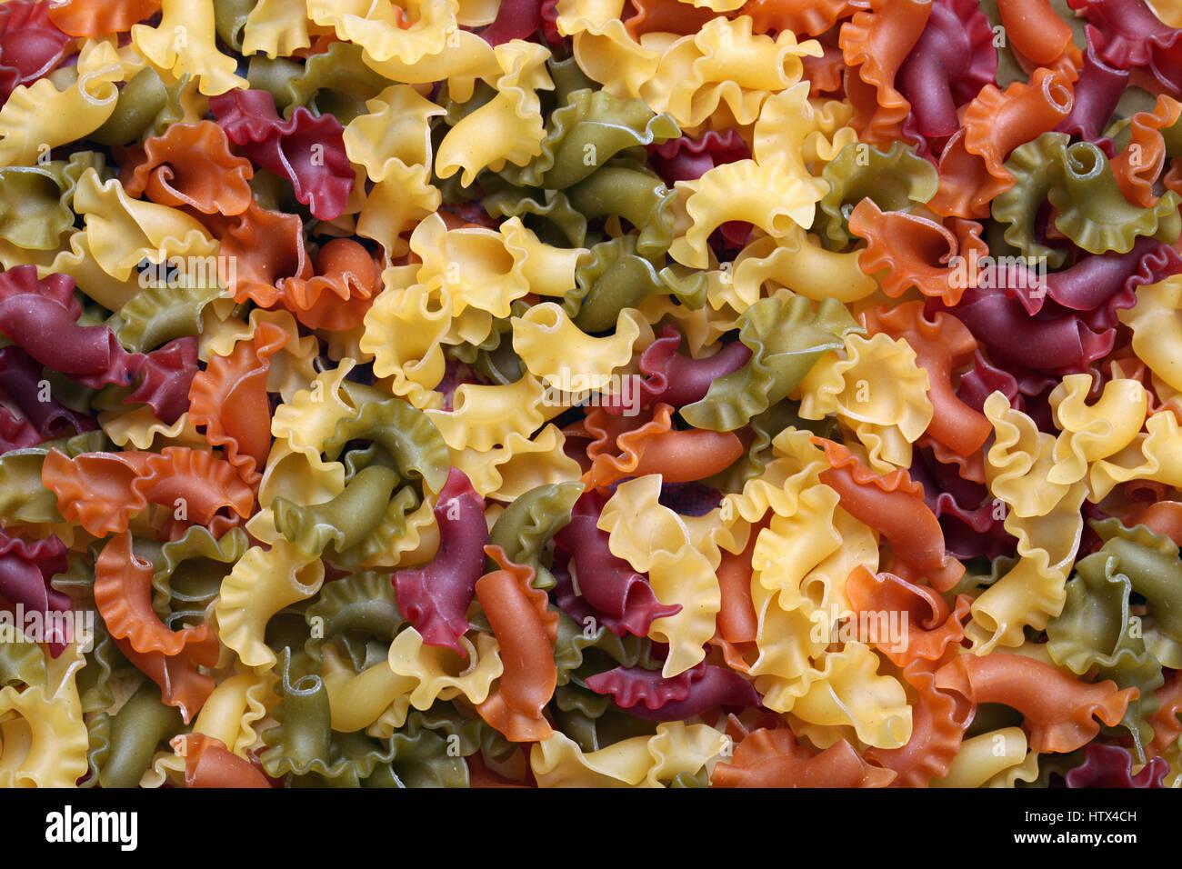 Traditionelle hausgemachte italienische Pasta-Hintergrundbild Stockbild