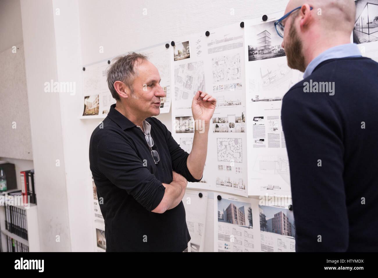 Der Deutsche Architekt Volker Staab In Einem Interview Bei Staab