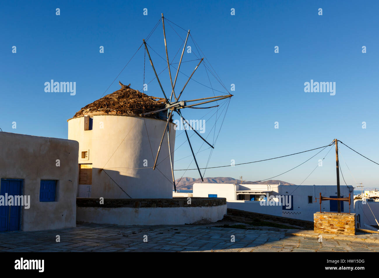 Windmühle in Chora auf der Insel Ios, Griechenland. Stockbild