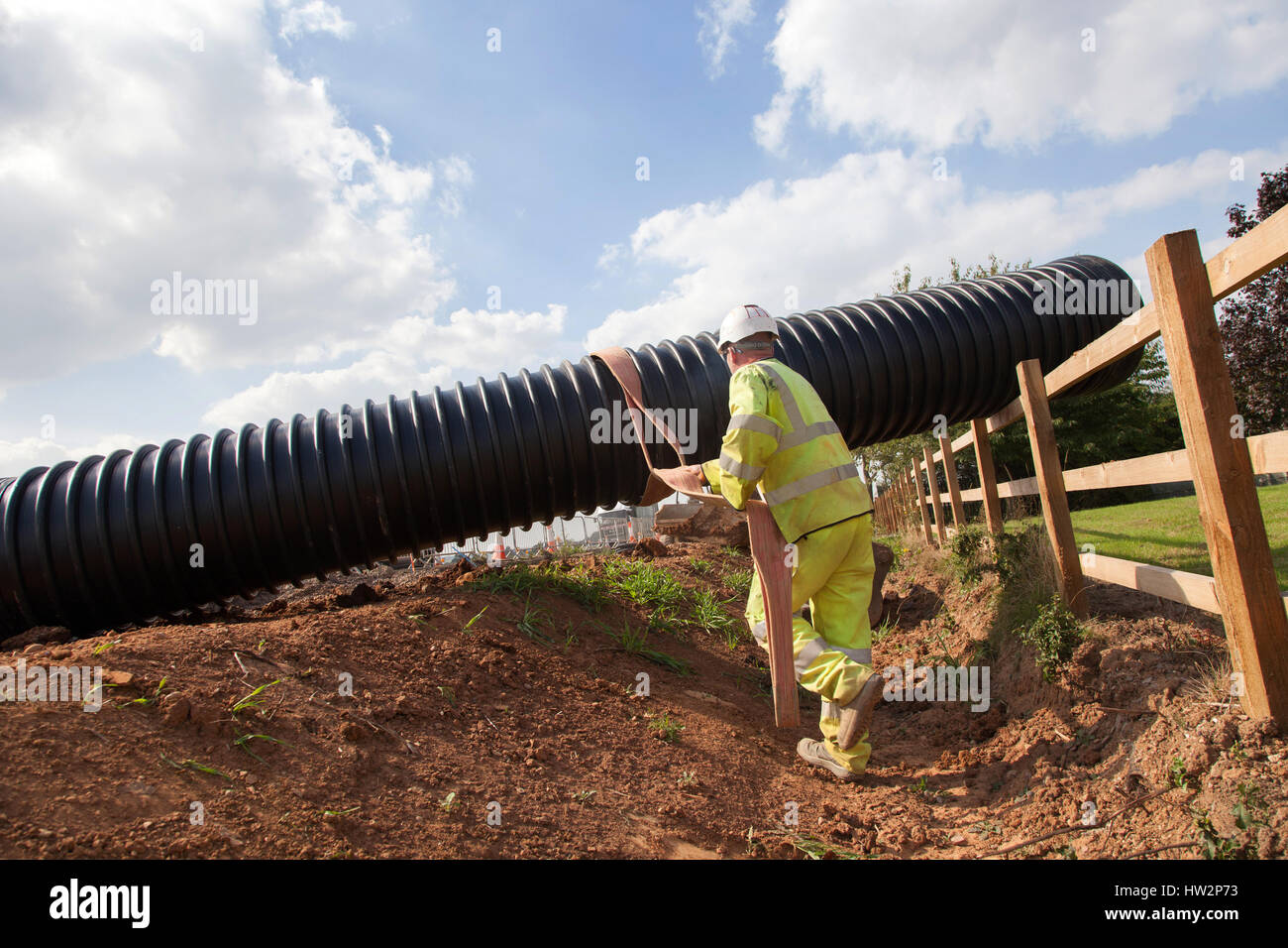 Entwässerung-Rohrleitungen in einem neuen Abschnitt der A5 in der Nähe von Nuneaton installiert wird. Stockbild