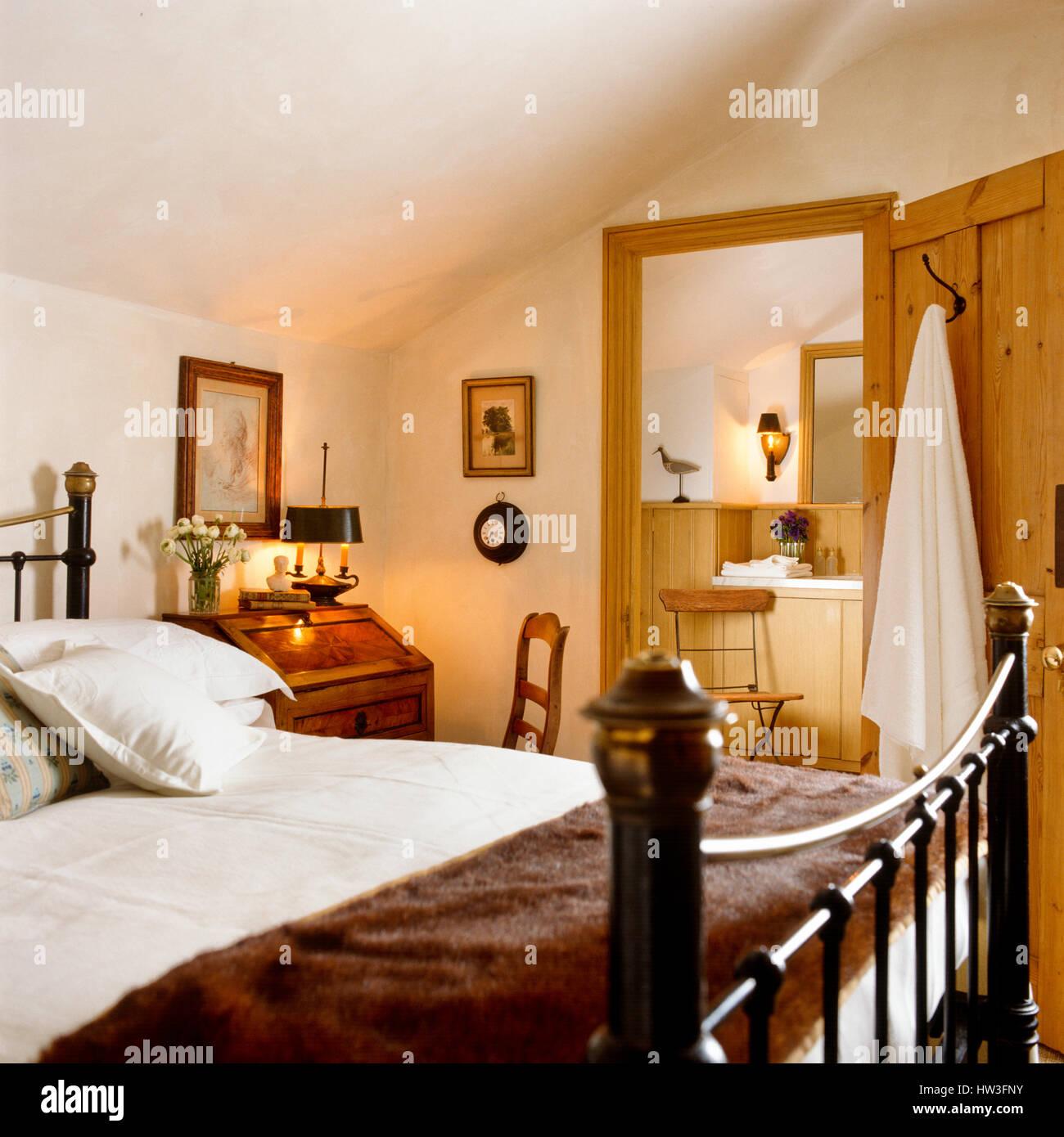 Rustikale Schlafzimmer Stockfoto, Bild: 135917207 - Alamy