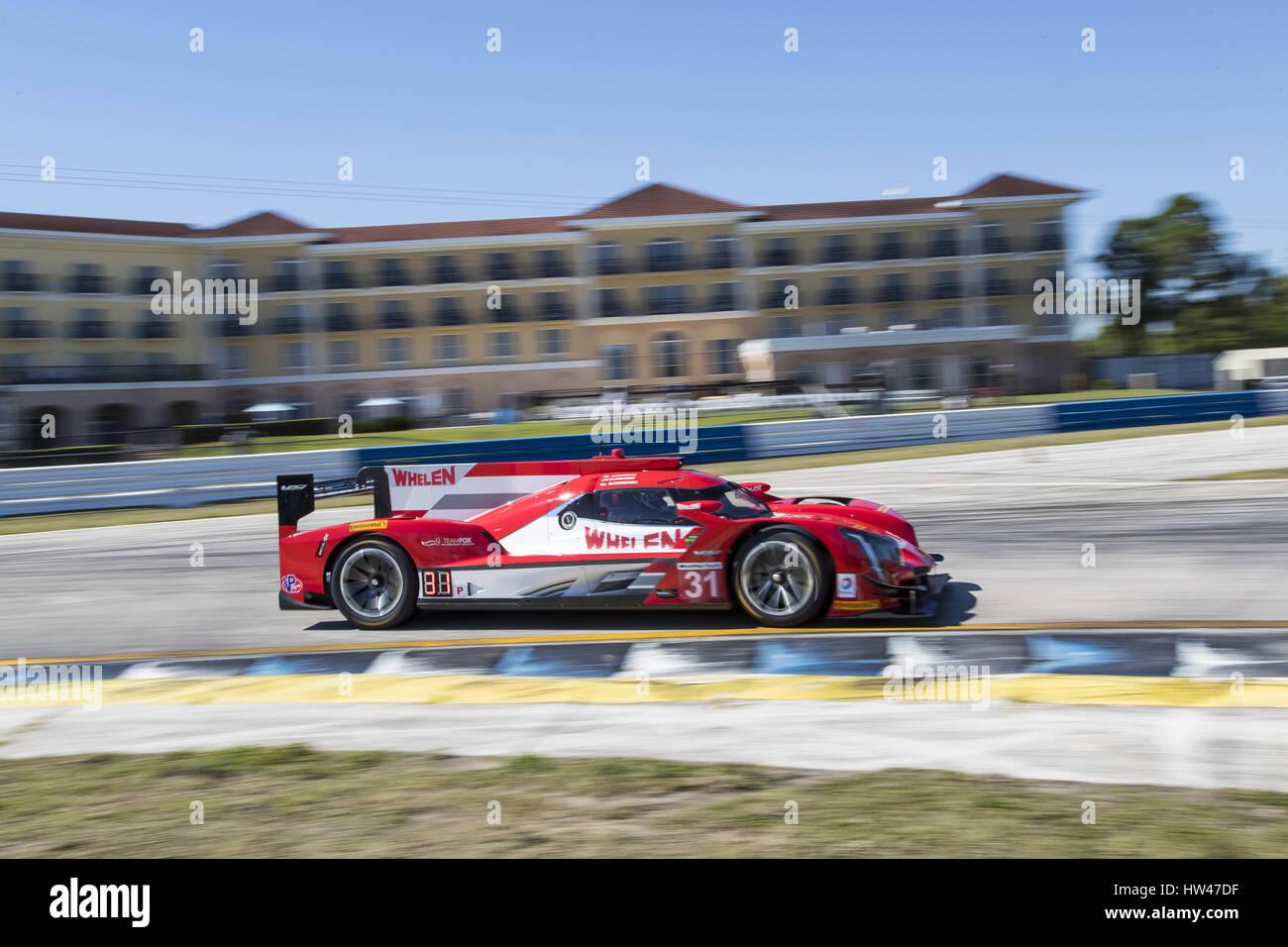 Sebring Florida Usa 16 Mrz 2017 1 Mobil The Whelen Engineering Racing Cadillac Dpi Autorennen Durch Die Kurven In Den Zwlf Stunden