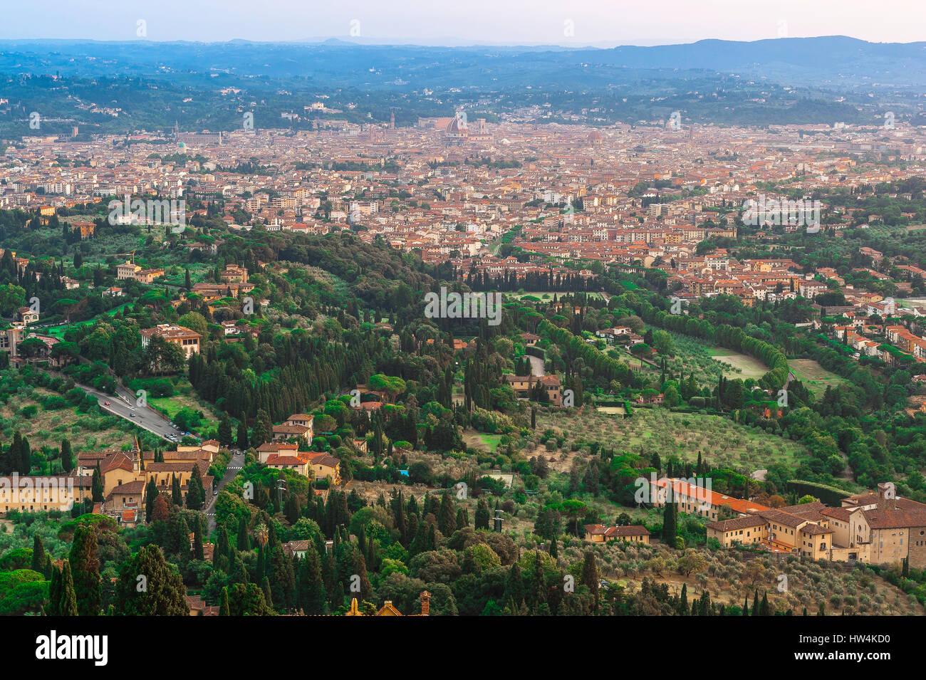 Die Hügel von Florenz Toskana, Florenz durch die toskanische Landschaft, umgeben von Hügeln, das nördlich Stockbild