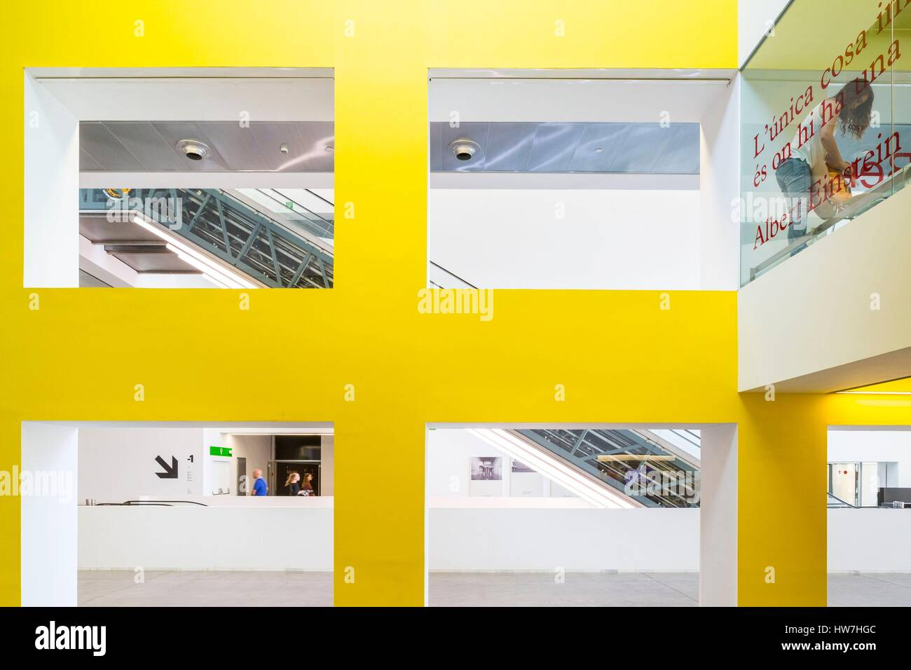 Spanien, Katalonien, Barcelona, Plaça de les Glories Catalanes, Museu Del Disseny, das Design Museum beherbergt Stockbild