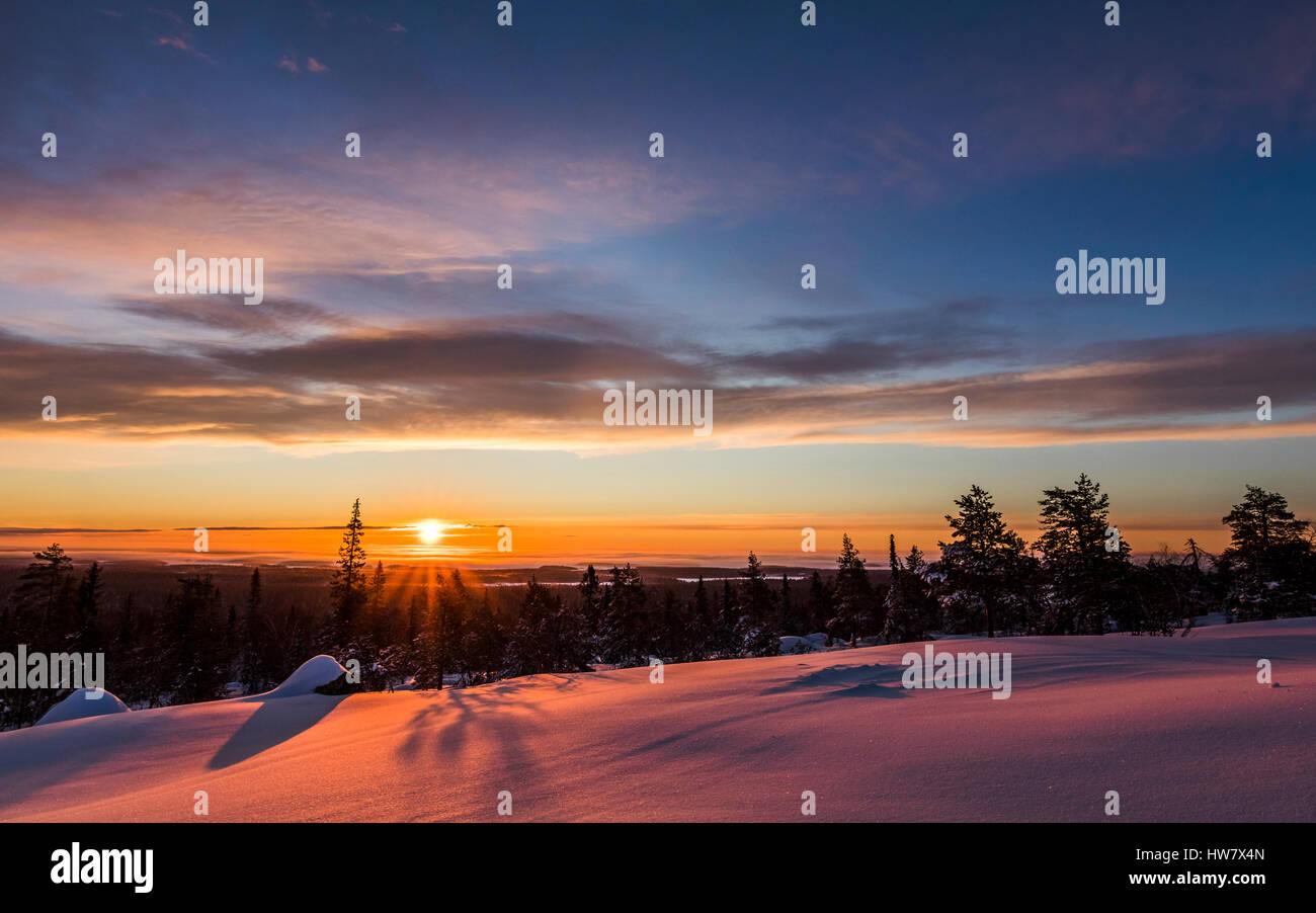 Winter-Sonnenaufgang in Martimoaapa, Finnland Stockbild