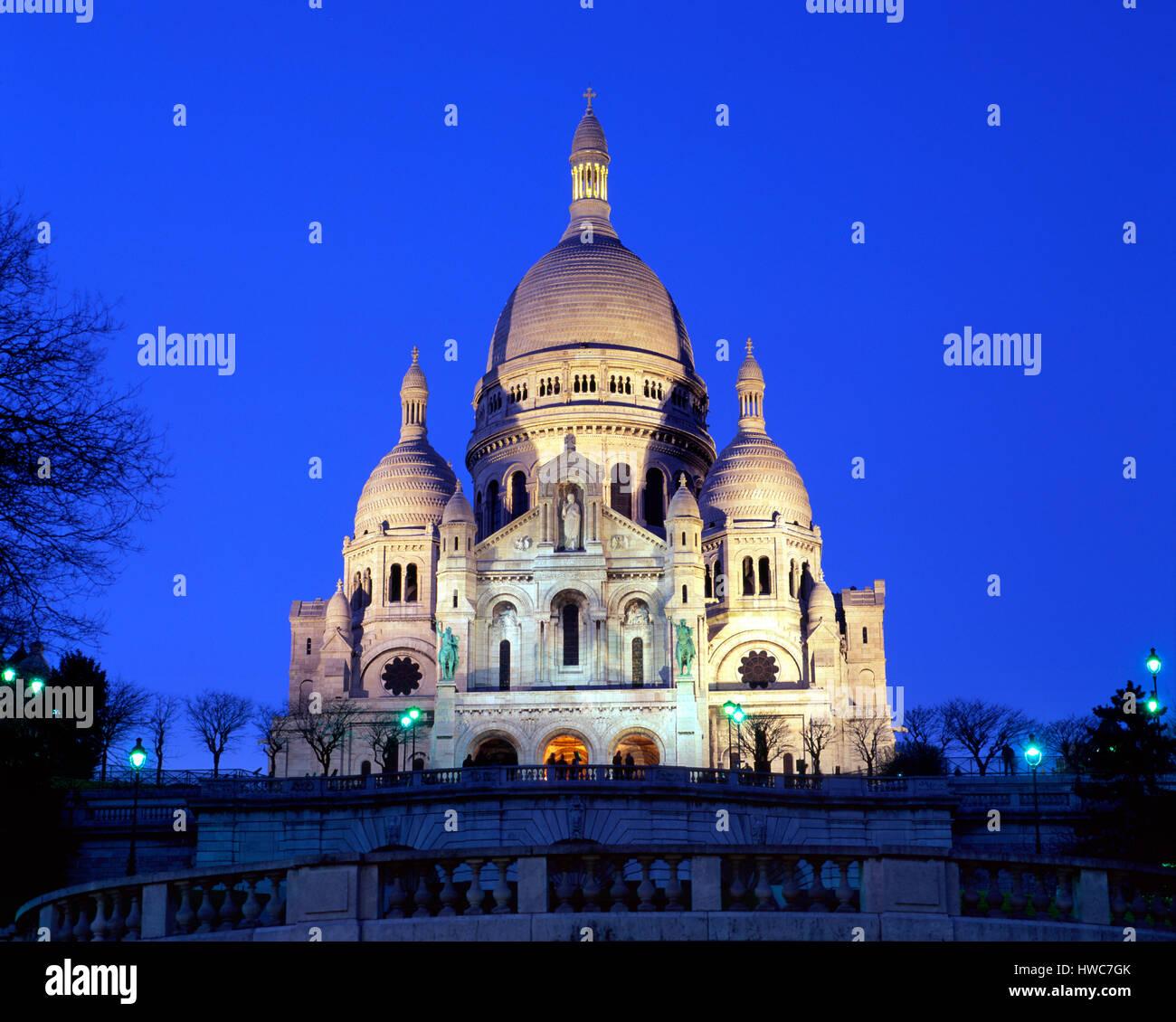 Sacre Coeur in Dämmerung, Montmartre, Paris, Frankreich Stockbild