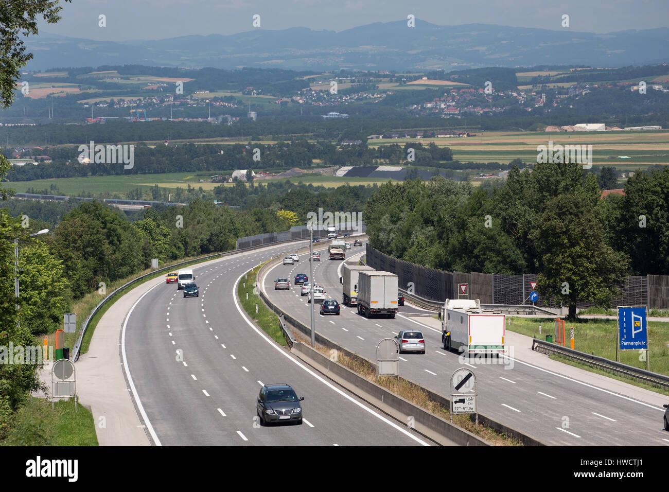 Dreispurige Autobahn