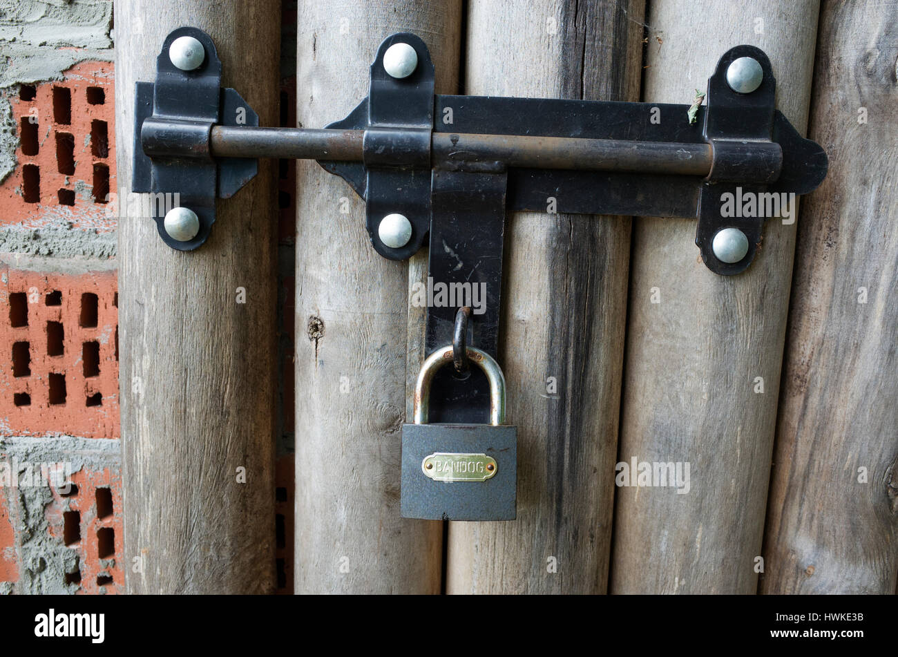 bolt padlock stockfotos bolt padlock bilder alamy. Black Bedroom Furniture Sets. Home Design Ideas