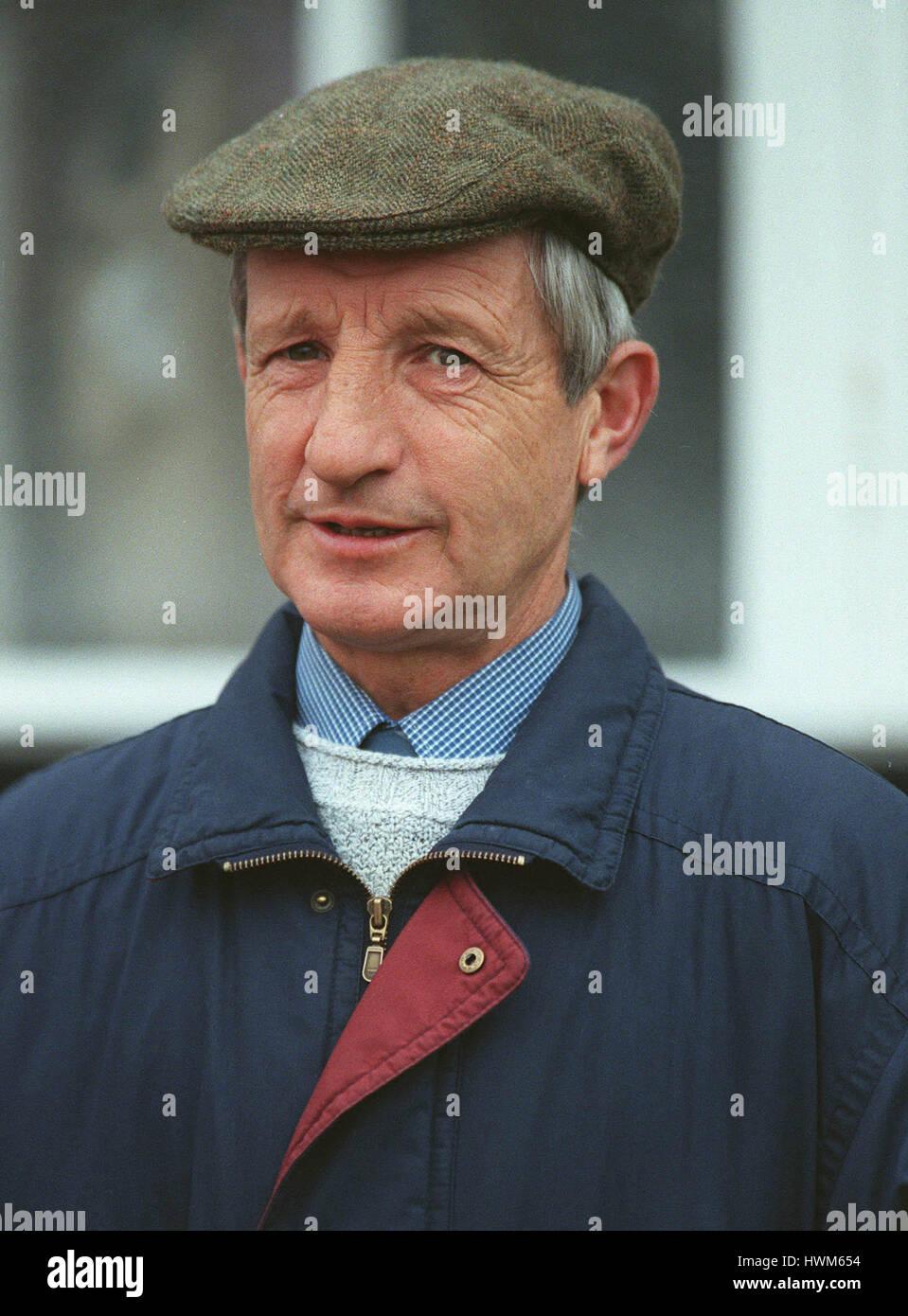 MICHAEL MADGWICK Rennen PFERDETRAINER 12. November 1997 Stockbild