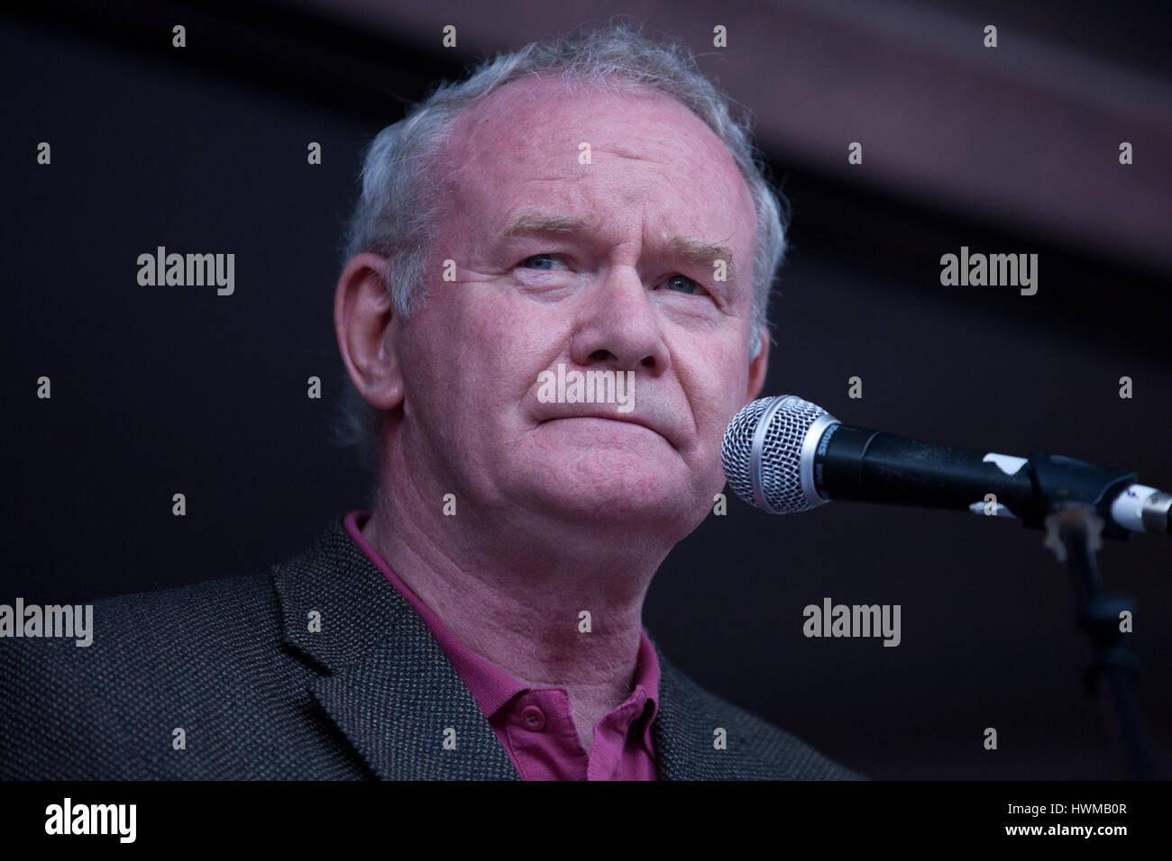 """London, UK. 20. Juni 2015. Martin McGuinness richtet sich an die Menschen der Assembly """"End Sparmaßnahmen Stockbild"""