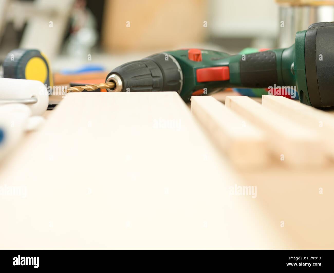Akku-Bohrschrauber Heimwerkerwerkzeuge Konzept Stockfoto
