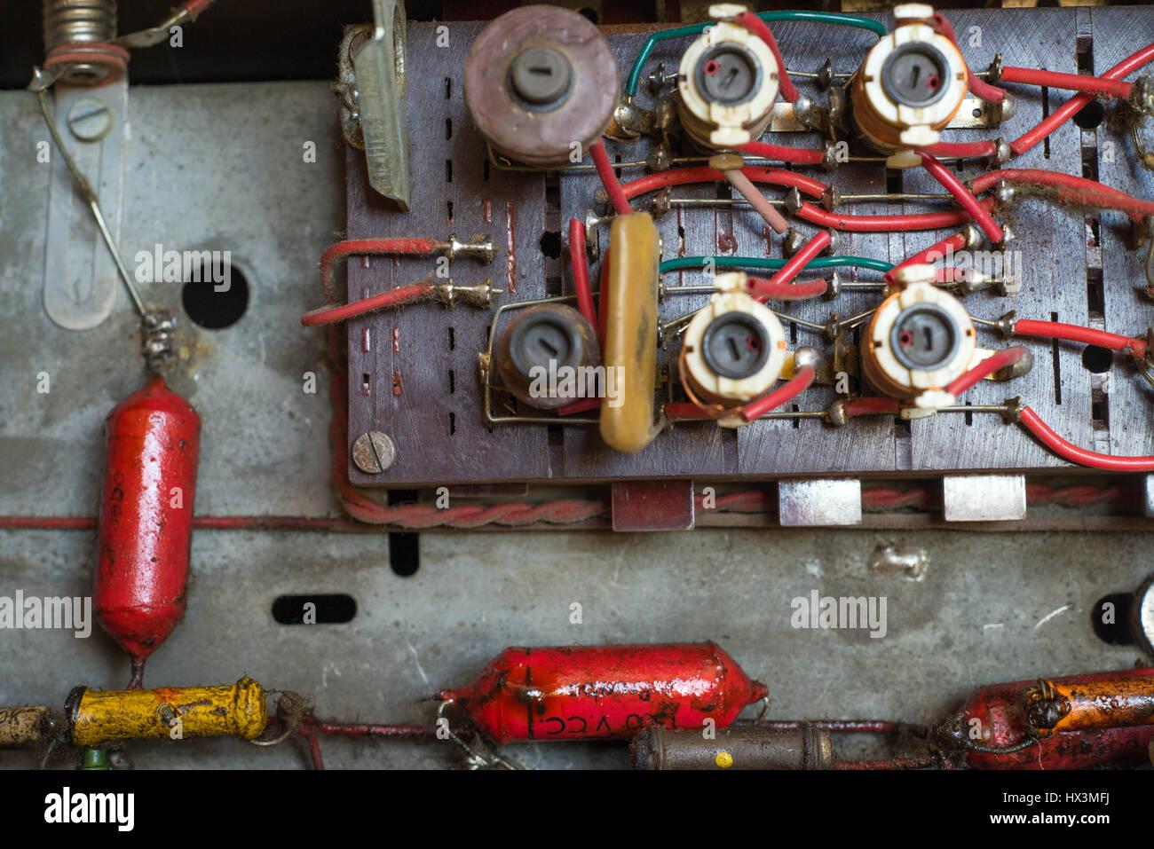 Gemütlich Was Sind Die Komponenten Der Elektrischen Schaltung Fotos ...