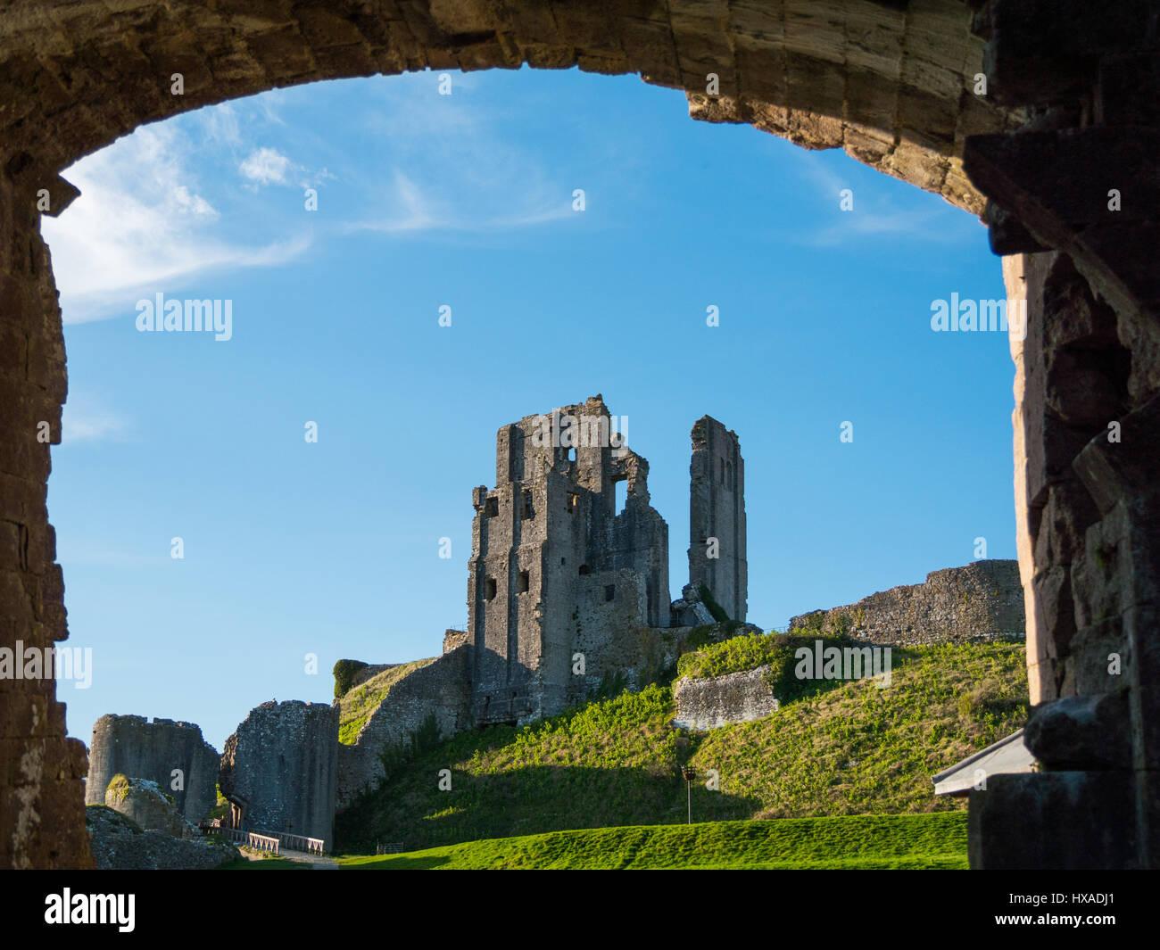 Die historischen Remainds der Corfe Castle, Corfe Castle, Isle of Purbeck, Dorset, Großbritannien Stockbild