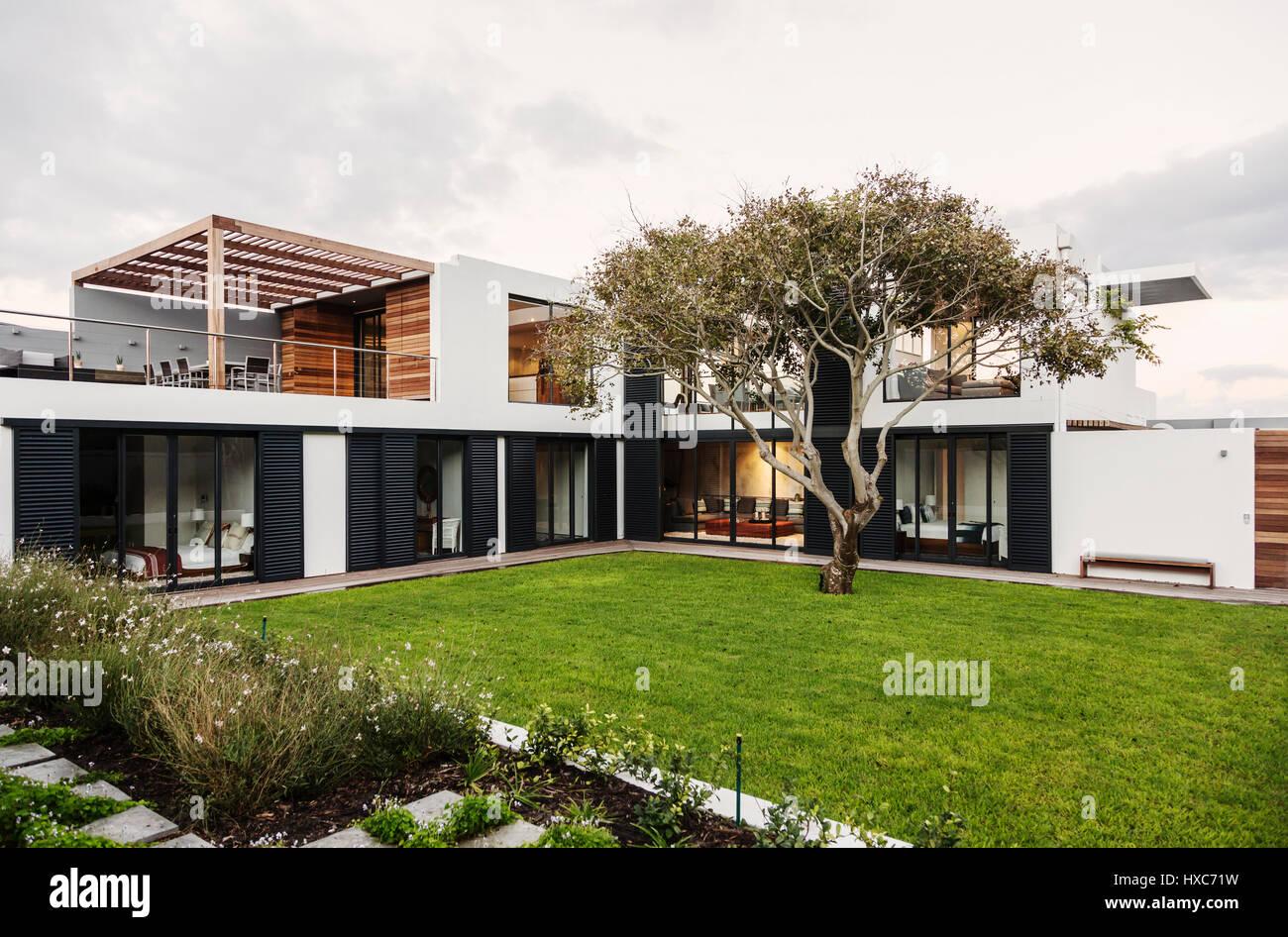 Moderne, Luxus home Schaufenster außen Stockfoto, Bild: 136722597 ...