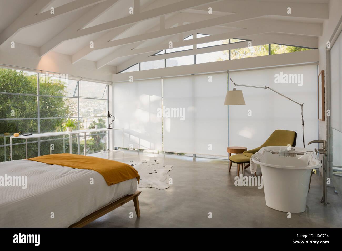 Moderne minimalistische home schaufenster innen schlafzimmer mit