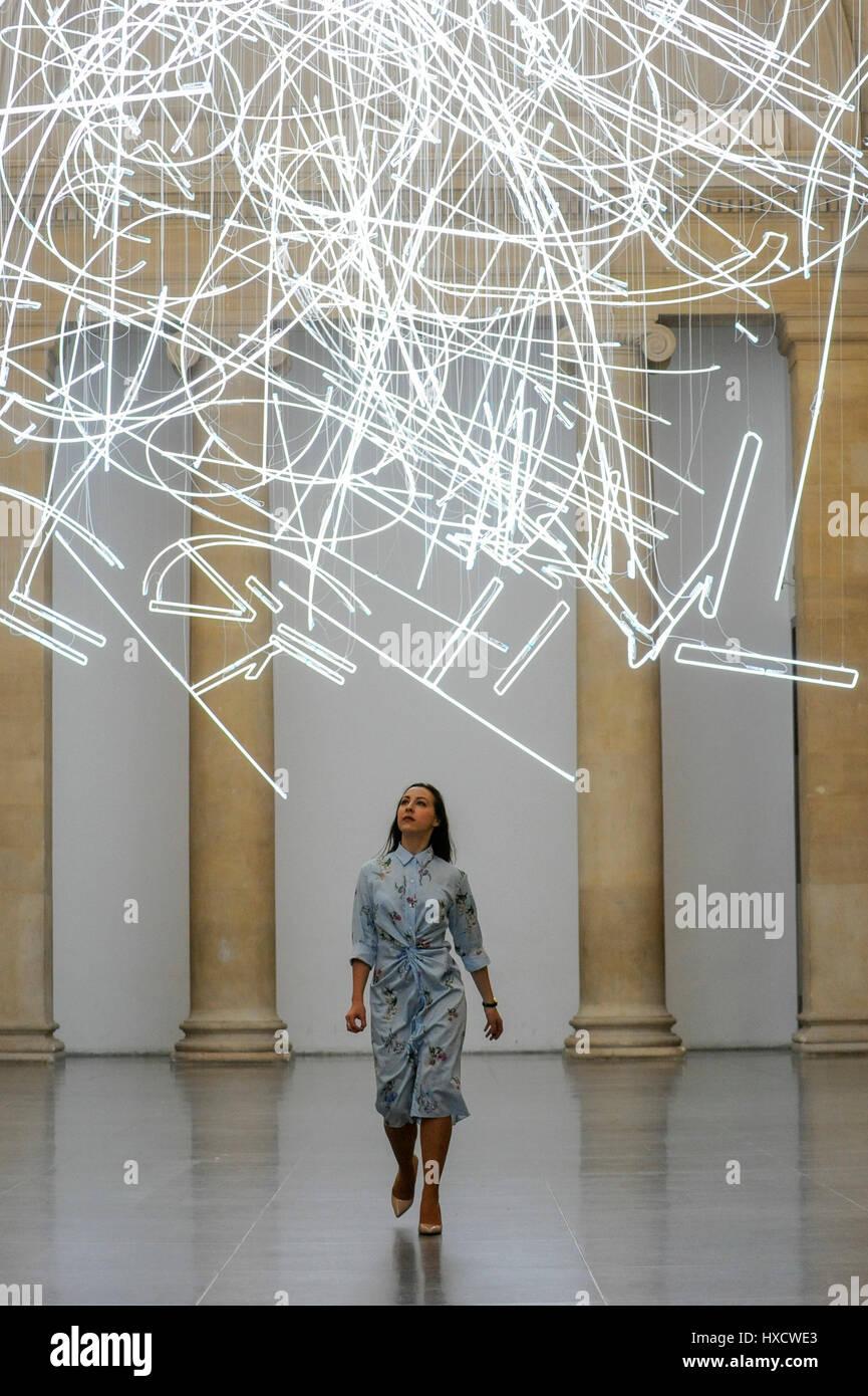 Fein Wie Man Licht An Der Decke Installiert Zeitgenössisch - Die ...