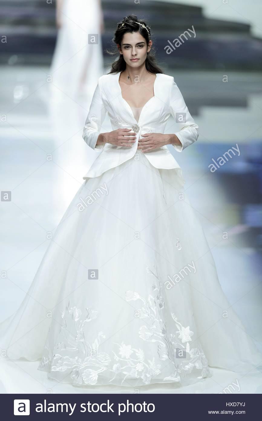Kleid fur hochzeit im marz