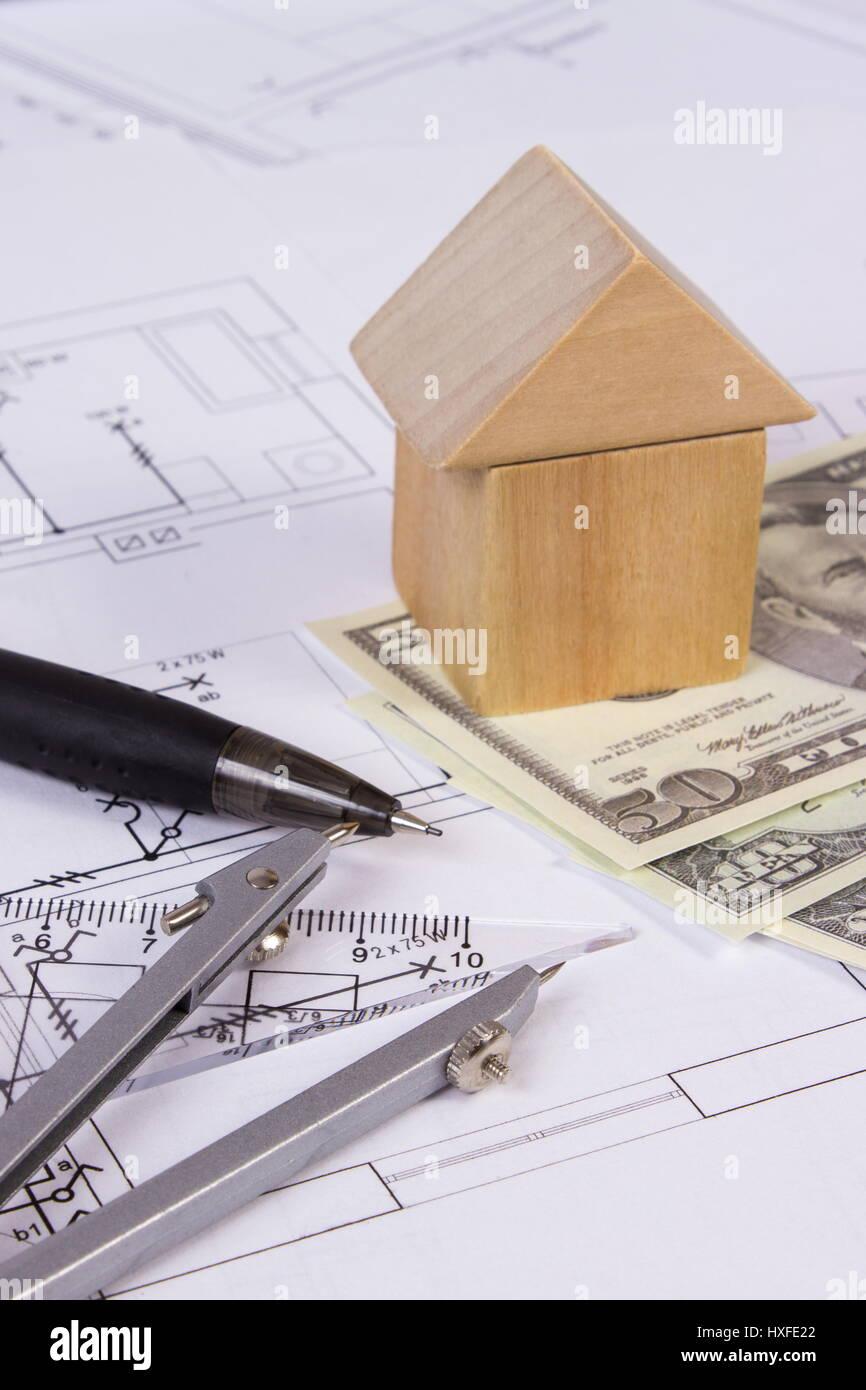 Delightful Haus Form Gemacht Der Holzklötze, Zubehör Für Zeichnung Und Währungen  Dollar Auf Elektrische Konstruktionszeichnungen, Konzept Von Bauhaus,  Urlaubsziel