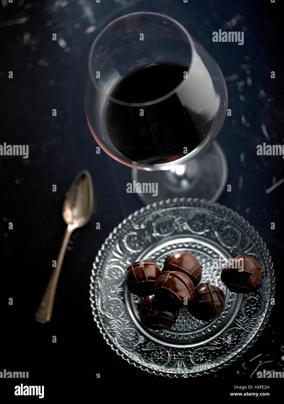chocolate candy stockfotos chocolate candy bilder alamy. Black Bedroom Furniture Sets. Home Design Ideas