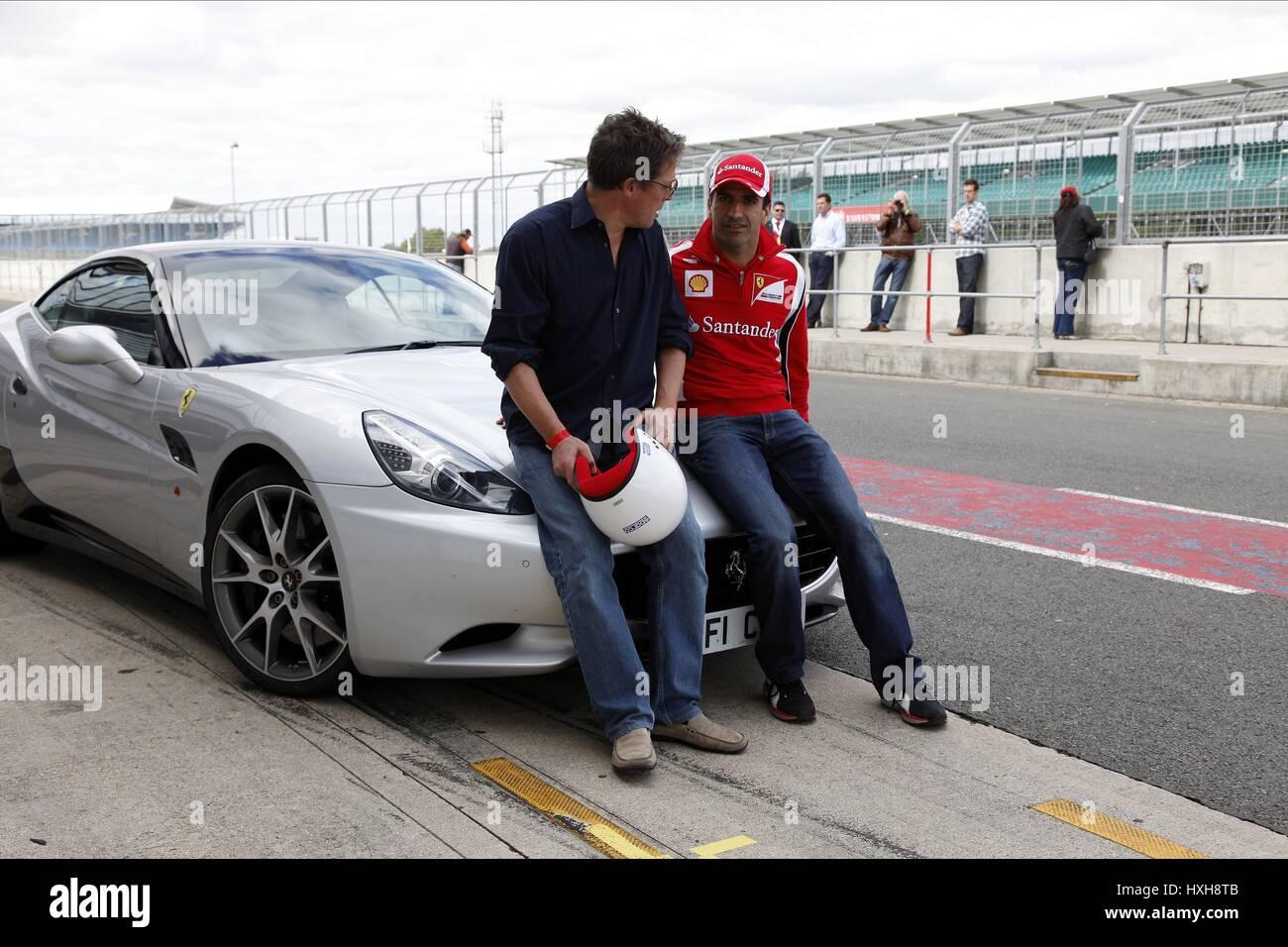 HUGH GRANT MARC GENE Schauspieler MOTOR RACING Fahrer Schauspieler & Motorsport-Fahrer SILVERSTONE ENGLAND 14. Stockbild
