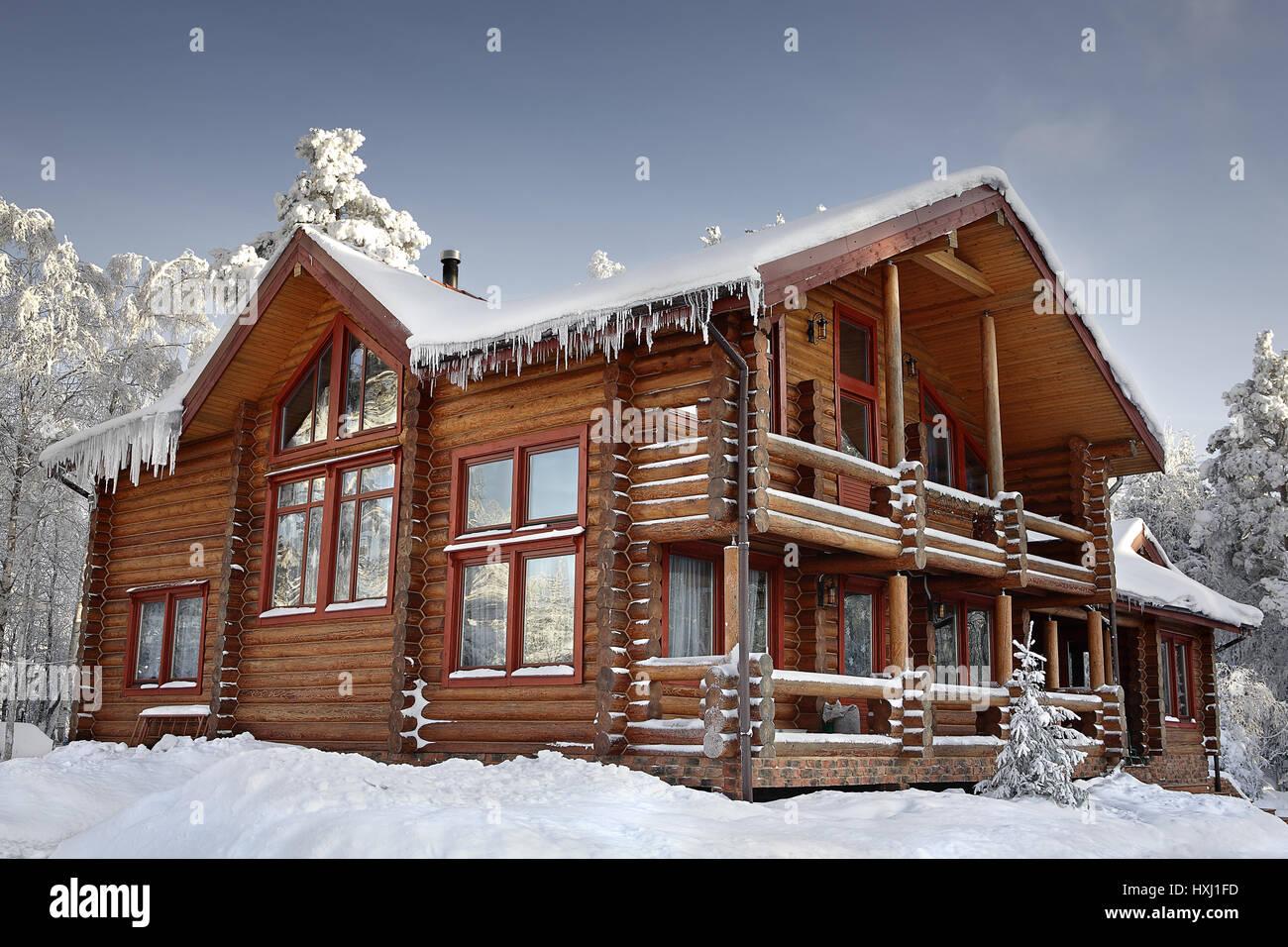 timbered cottage winter stockfotos timbered cottage winter bilder alamy. Black Bedroom Furniture Sets. Home Design Ideas