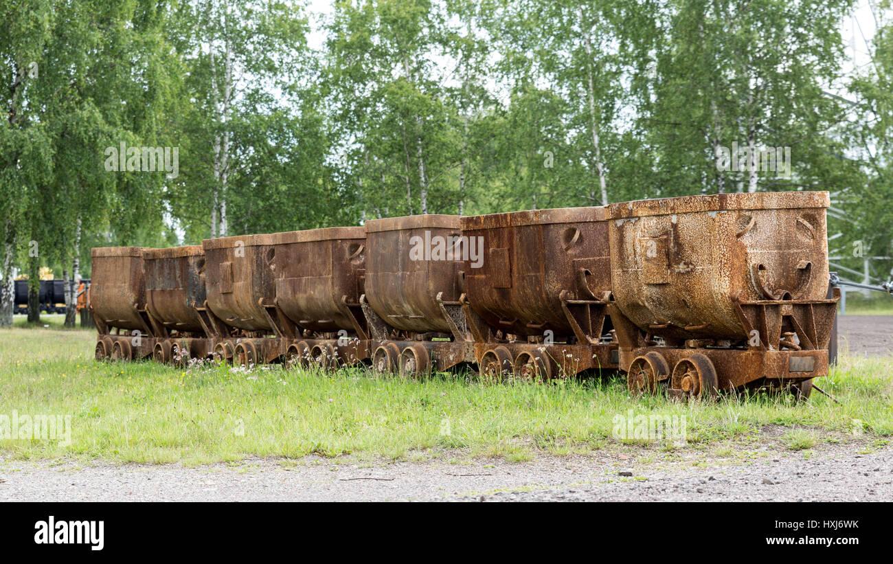 am Boden zerstört Bergbau trolleys Stockbild