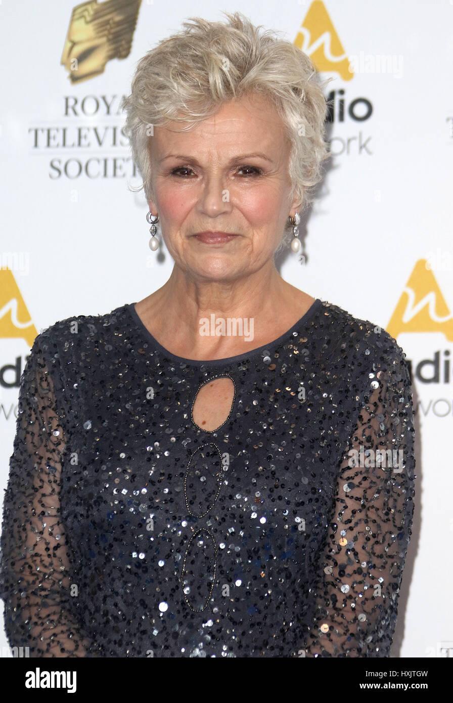 21. März 2017 - Julie Walters Teilnahme an Royal Television Society Awards 2017, Grosvenor House Hotel in London, Stockbild