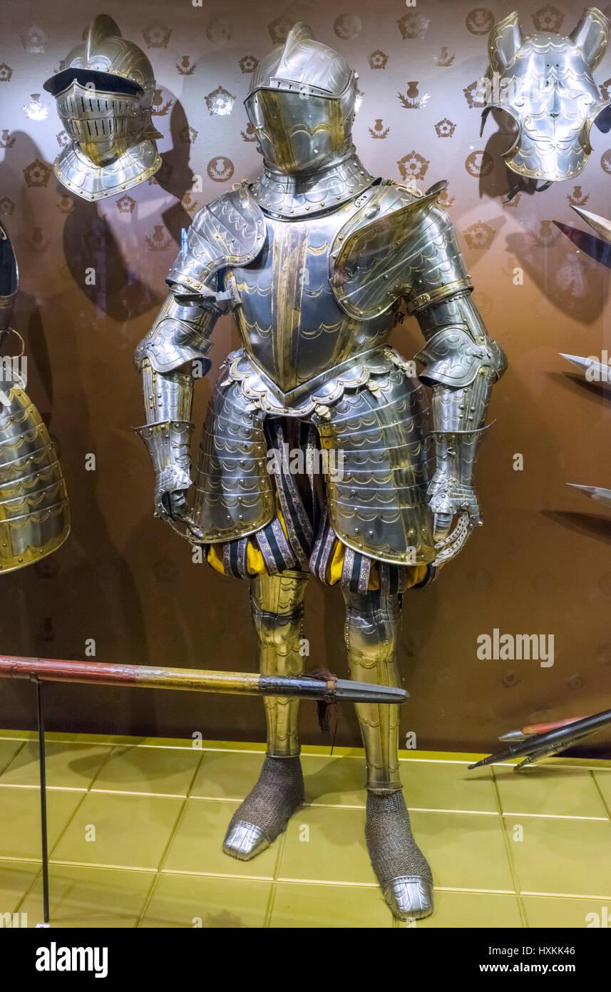 Klage der Rüstung. Anzug der elisabethanischen Rüstung, gemacht für die 3. Earl of Worcester um 1570. Stockbild
