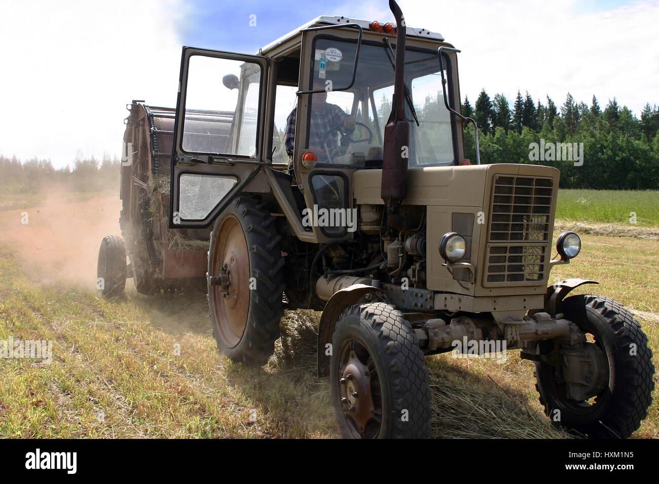 Russian Tractor Stockfotos & Russian Tractor Bilder - Seite 3 - Alamy