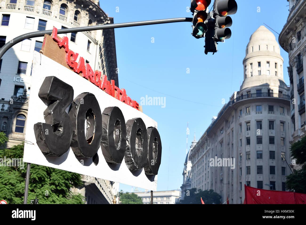 Buenos Aires, Argentinien - 24. März 2017: Demonstrationen auf der Anivesary der argentinischen Diktatur, am Stockbild