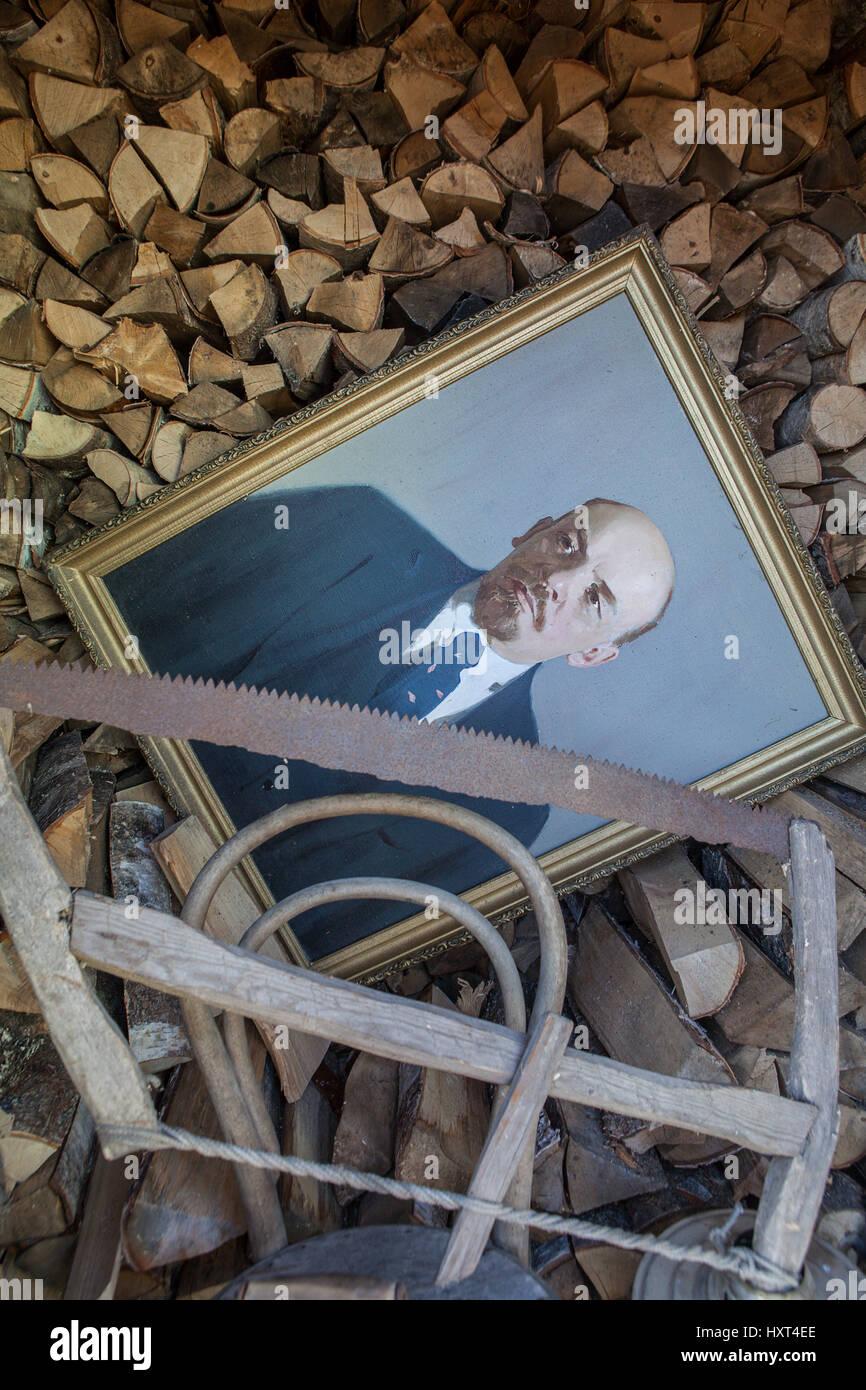 Ölgemälde von Vladimir Lenin-Porträt auf der Leinwand in einem ...